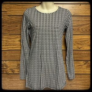 The Limited perfect tee size small houndstooth